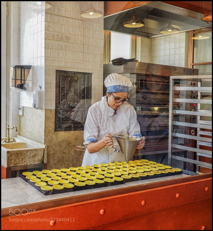 Delicious Pasteis de Nata in production.. (ViDem) #PEN-F #food #photo #delicious