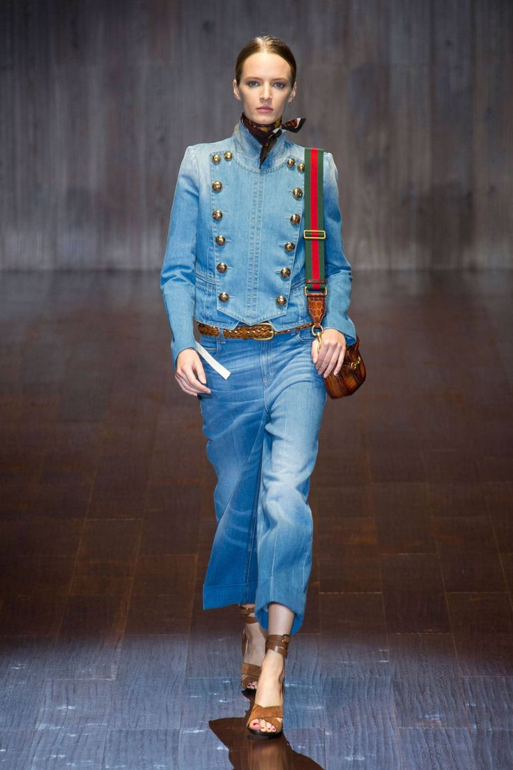 Gucci launches a chic seventies-vibe runway show at #MFW, here: