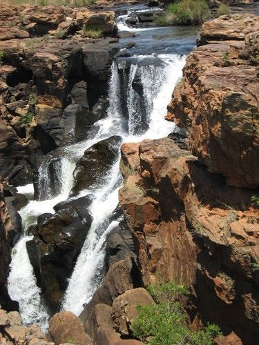 Treur River falls down in front of Potholes,    Blyde River  Canyon           Graskop