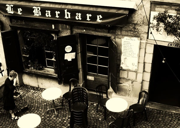 Le Barbare in Lausanne Switzerland--MoxieQ Rating: the hot chocolate--'It'll make you wanna slap somebody' GOOD