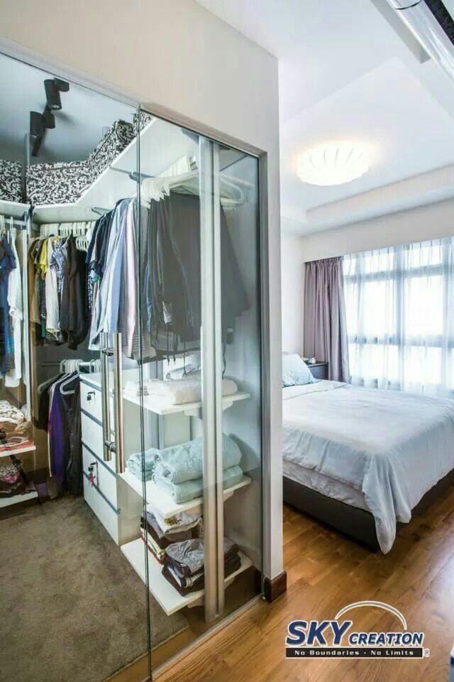 Walk - in mini closet