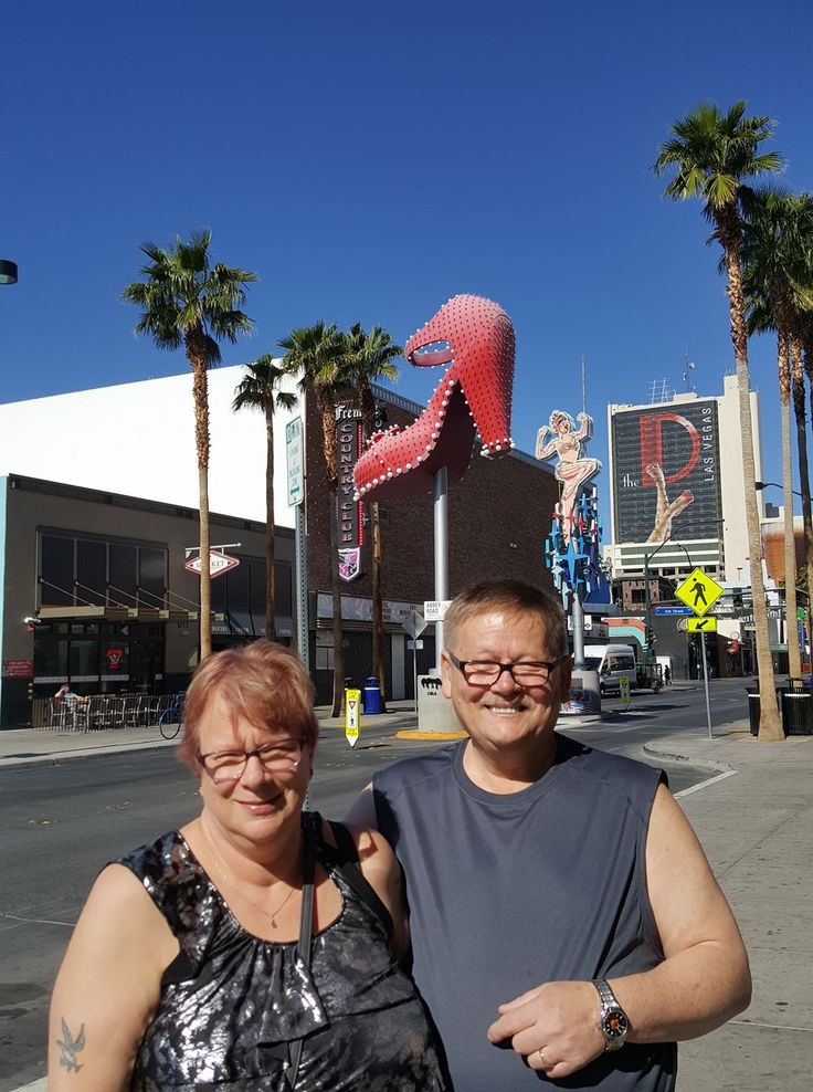 2017-04. Jim & Dar, Vegas