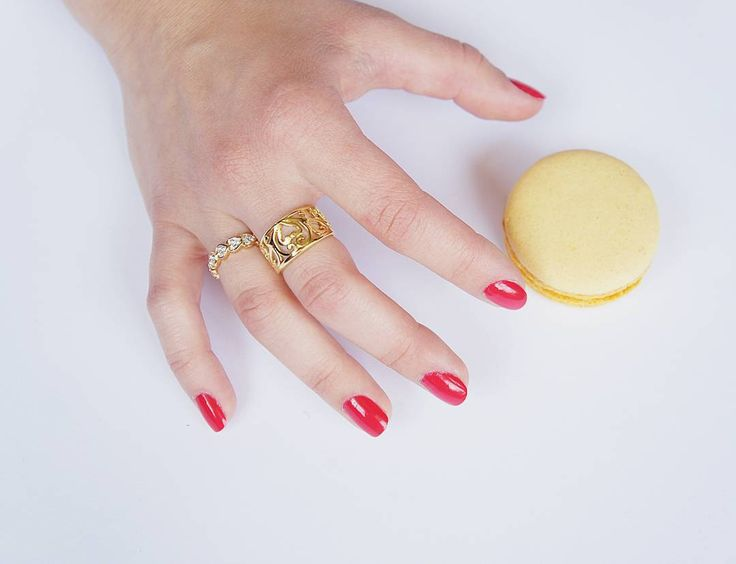 Our two favorite things: rings and macarons.  Crystal Hearts and Filigree rings, link in bio  to one of them