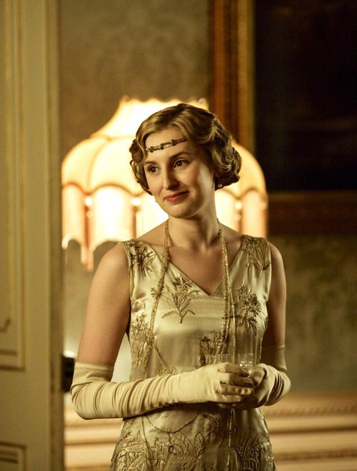 the-garden-of-delights:  Laura Carmichael as Lady Edith Crawley in Downton Abbey (TV Series, 2015).