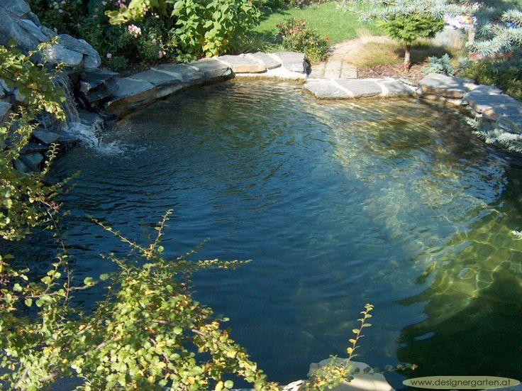 Steintreppe in den Teich
