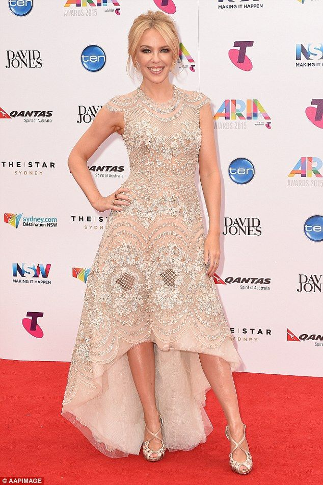 Kylie Minogue and Ed Sheeran share intimate dance at the ARIAs #dailymail