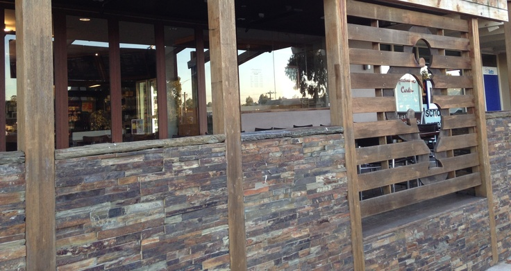 This restaurant choose Rustic Stacked stone #Cladding to make an impression.