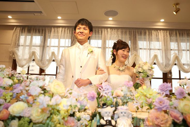 ちょうど一年前、HANZOYAで、 装花とブーケを担当させていただいた 11月22日のご結婚式の花嫁花婿様です。  1年目の今日に、ようやく集...