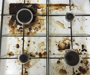 how to clean a dirty ceramic stove