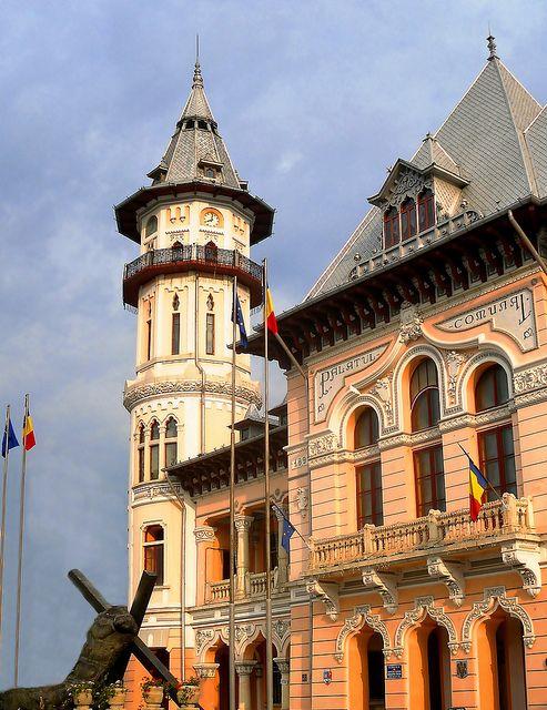 Buzau city hall | Flickr: Intercambio de fotos