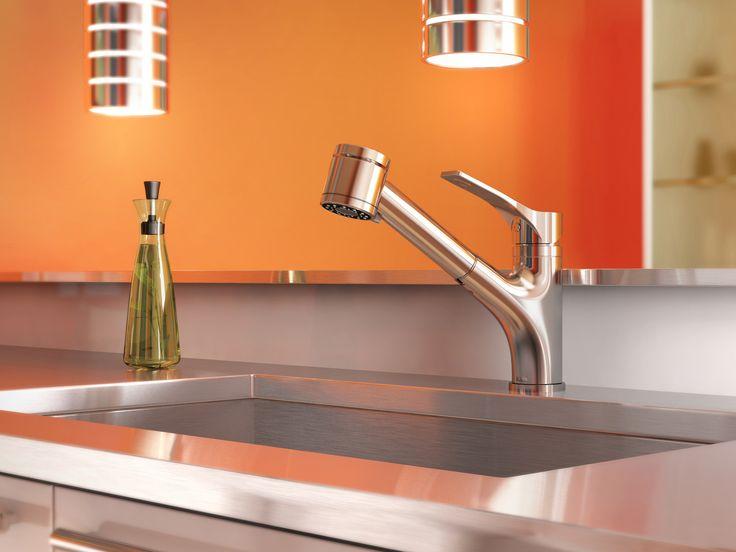 Le robinet DEKA se veut la solution parfaite et abordable pour la cuisine moderne d'aujourd'hui. D'une qualité qui se perçoit dans les moindres détails ; un boyau de nylon silencieux avec joint pivotant permettant une entière liberté de mouvements et une douchette rétractable à deux fonctions.