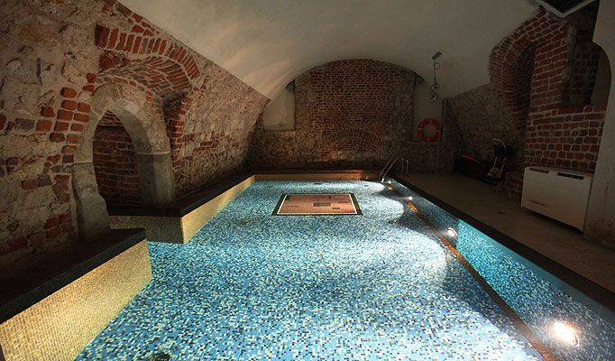 London Recreational Pools And Spas