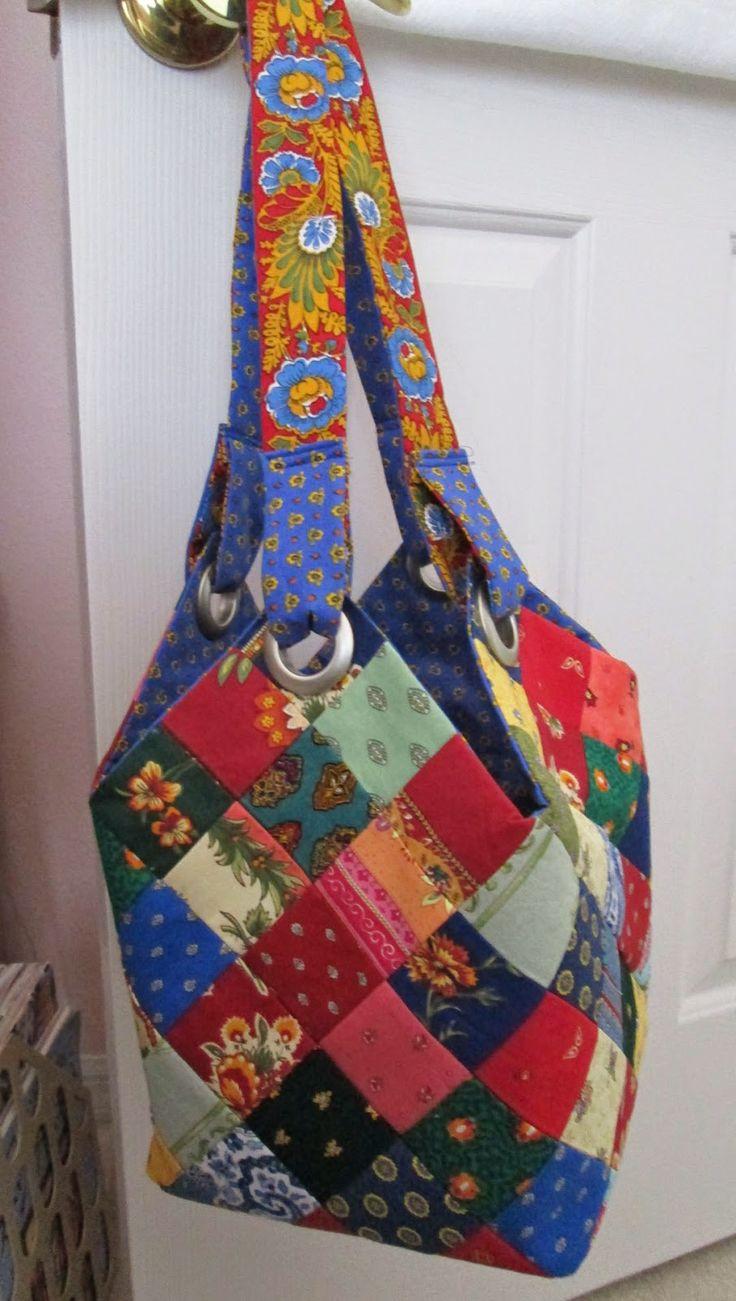 Quiltsmart Midi Bag #qultsmart #midibag #mediumtote #totebag #handbag #sewing #quilting #diy #handmade