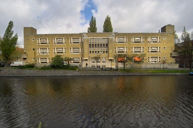 36__Voorgevel Berlage Lyceum Amsterdam voor restauratie.jpg (640×426)