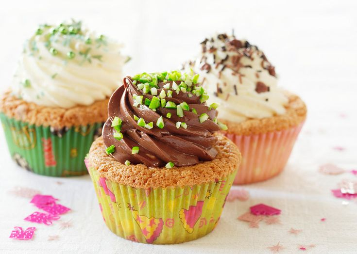 Fristende cupcakes med cremede toppe - Odense Marcipan