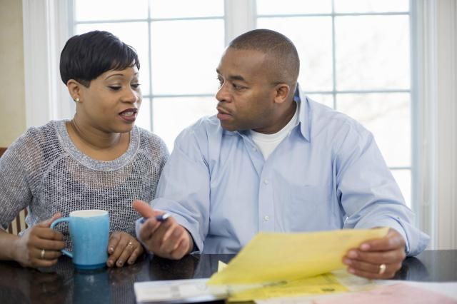 When you know that there is a difficult or touchy issue you should talk about with your spouse, here are tips to make that conversation successful.