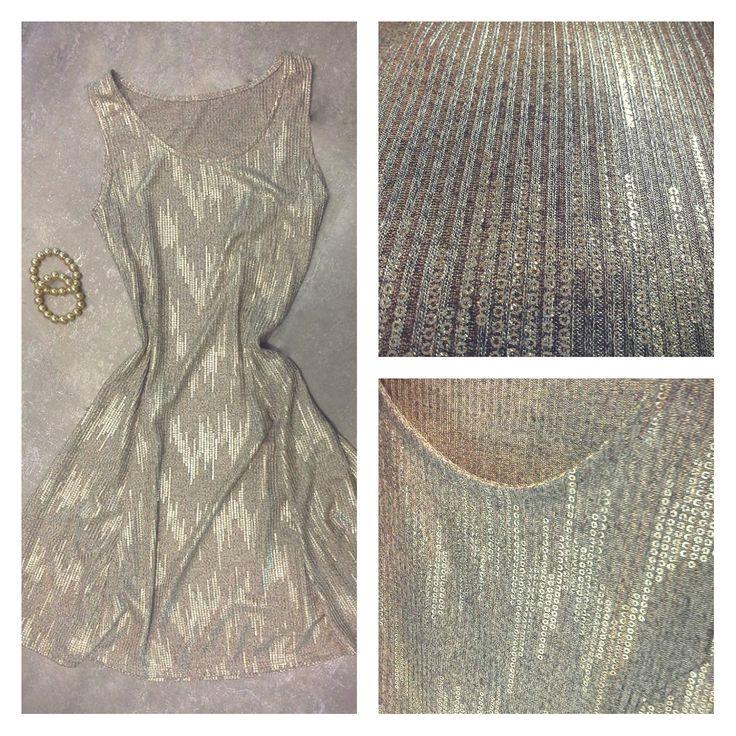 Shine bright!!! Φόρεμα glitter midi σε γραμμή άλφα. Μέγεθος: One size Χρώμα: Χρυσό, Ασημί  #metal #metaldeluxe #glitter #gold #trend #golddress #dress #fashion#clothes #autumn #happy #style #fall #mensfashion #womensfashion#fashionista #newarrivals #mensclothes #womensclothes #moodoftheday#picoftheday #chic