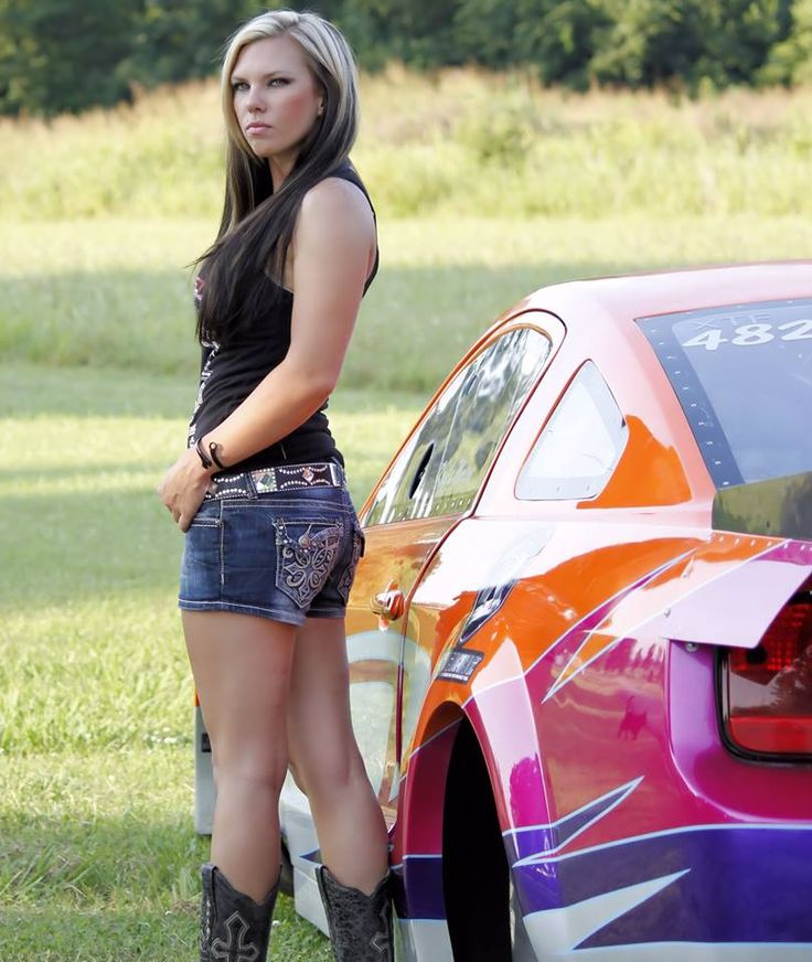 Who is the girl boosted is dating street outlaws