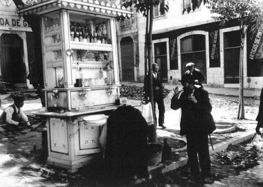 Quiosque de bebidas no Largo da Boa-Hora
