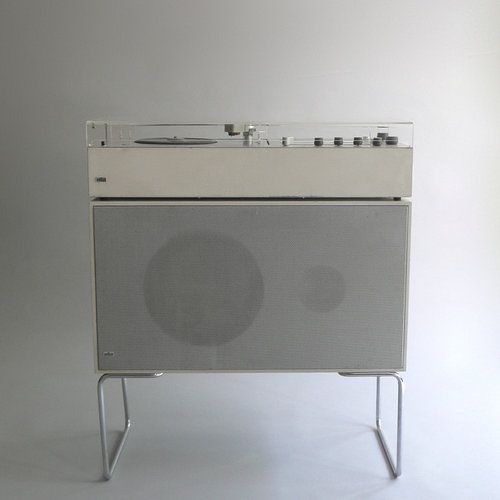 Braun Audio 1 / Braun L 60-4 (Dieter Rams, 1962/1964). When Gillette purchased the company with worldwide razor domination in mind, audio took a backseat.