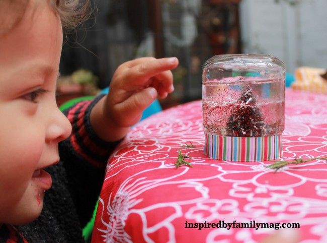 DIY Mini Snow Globe: Great activity for kids to make. Homemade Stocking Stuffer Gift
