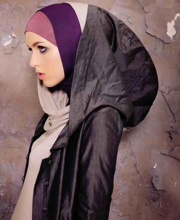 I love these colours and the design of this hijab. Xx