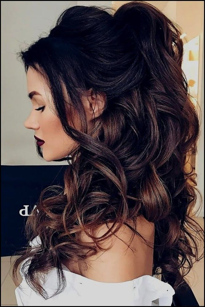 Schöne Frisuren Fuer Lange Lockige Haare Die Besten 25 Locken Lange
