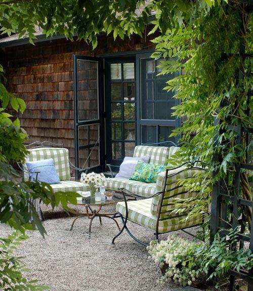 Great gravel patio.