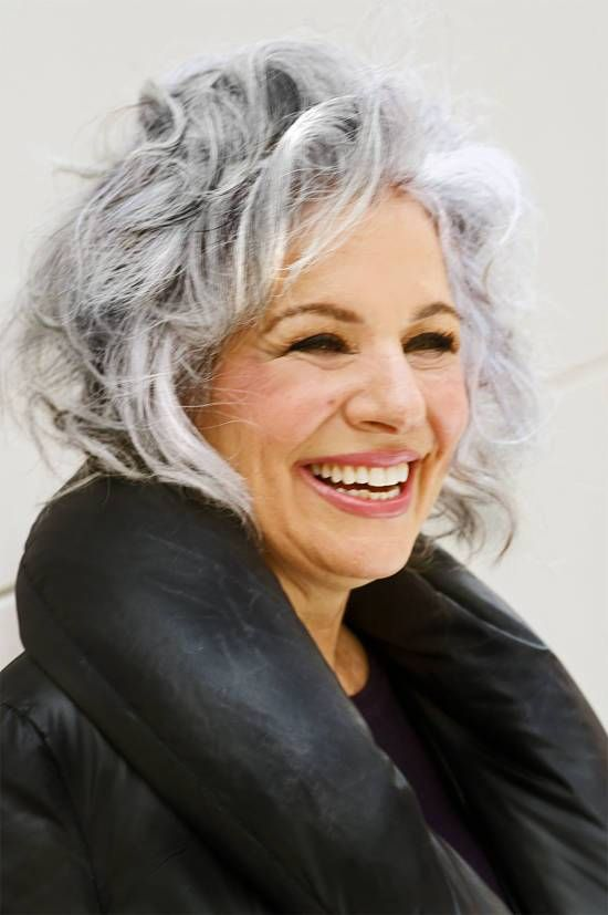 style for gray wavy hair