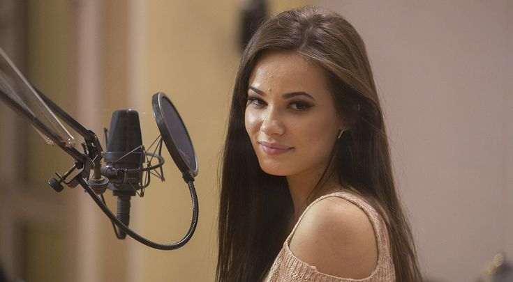 - Uważam, że język polski jest niesamowicie śpiewny i pięknie brzmi - mówiła Natalia Szroeder  * * * * * * www.polskieradio.pl YOU TUBE www.youtube.com/user/polskieradiopl FACEBOOK www.facebook.com/polskieradiopl?ref=hl INSTAGRAM www.instagram.com/polskieradio