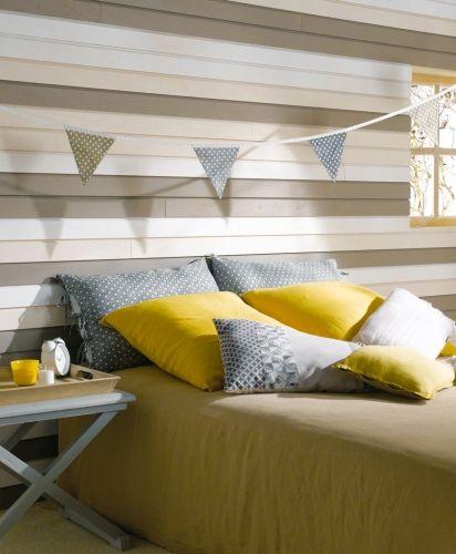 Un mix de couleurs pour ces lames en faux claire-voie spécialement pour l'intérieur. Pour une jolie tête de lit originale et chaleureuse !