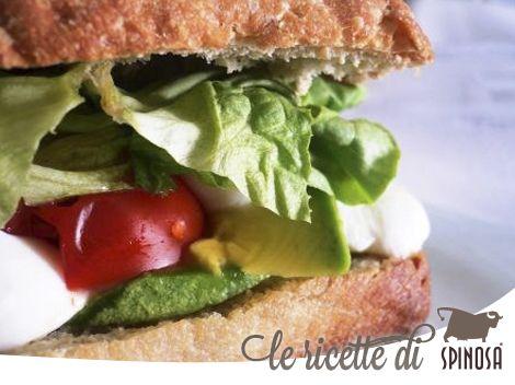 Panino mozzarella e avocado. #sandwich #mozzarella