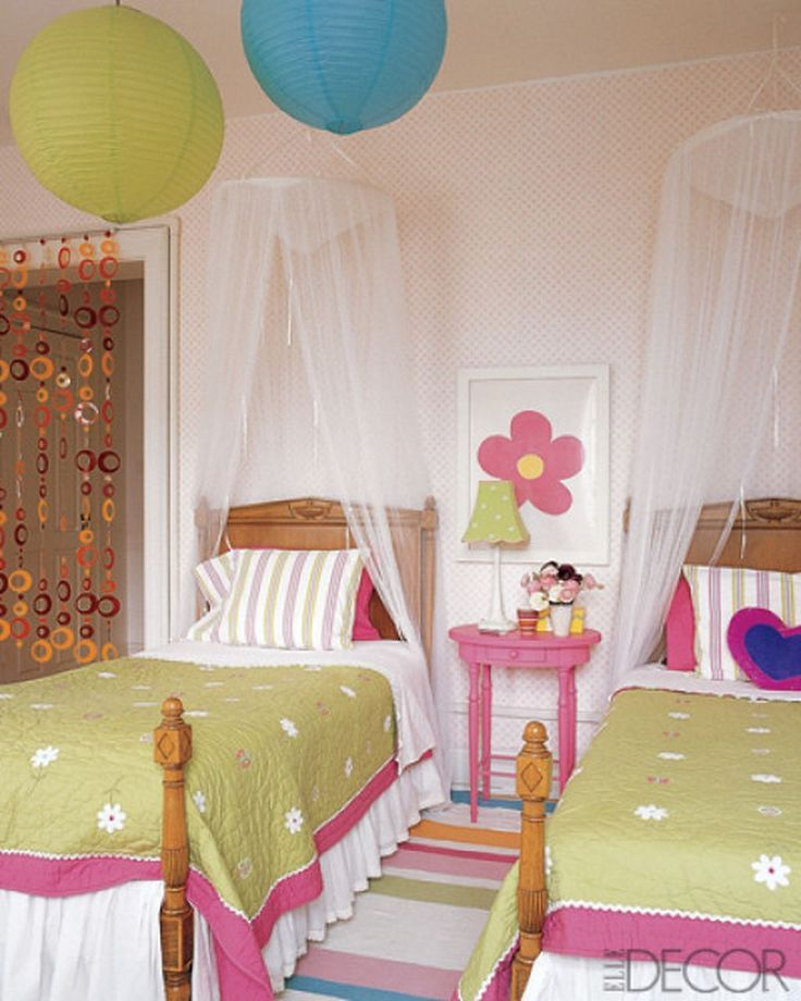 Small Cozy Bedroom For Girls Bewitching Pink Wallpaper In: Best 25+ Two Girls Bedrooms Ideas On Pinterest