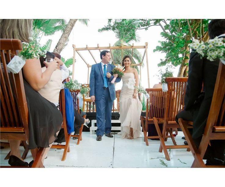 Just married.  Wedding reception. Location: Isla de Margarita. Venezuela. Place: @casaestelar  Production: @valkirias_toursyeventos Wedding planning: @ninatsg  #ciudadguayana #puertoordaz #pzo #margarita #fotografovenezuela #bodasvenezuela #fotografopuertoordaz #bodaspuertoordaz #justmarried #igersvenezuela #venezuela  #bodasenmargarita #igersguayana #photooftheday #fotografocaracas #weddinginspiration #igersvenezuela #igerspzo #pentax #weddingreception #igerspuertoordaz #weddingday…