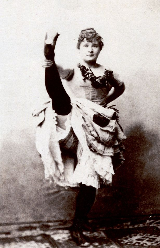 """Louise Weber dite """"La Goulue"""", souvent immortalisée par Toulouse-Lautrec et vedette du """"Chahut"""" (actuel Moulin Rouge). #FranceFR #Rendezvousenfrance #Paris #Montmartre"""