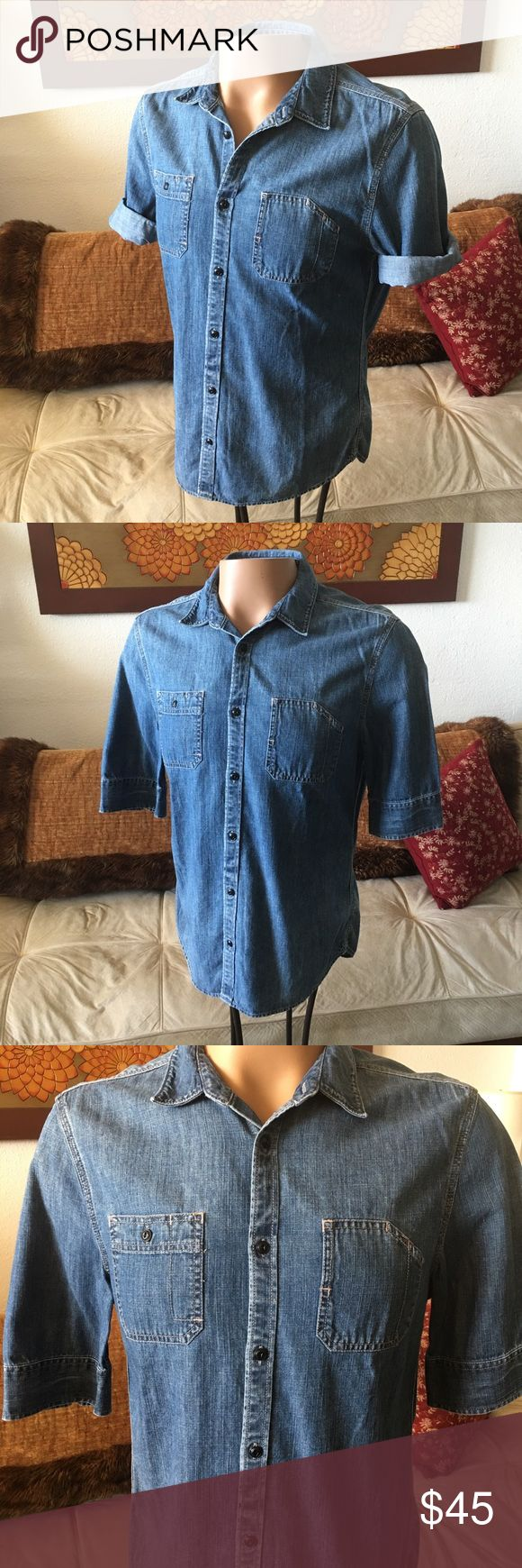 "All Saints Spitalfields 1/2 Sleeve Denim Shirt All Saints Spitalfields 1/2 Sleeve Denim Shirt. Men's size large. Seems to run slightly small and may fit a size medium. Armpit to armpit- 19.5"" shoulder to shoulder- 17.5"" neck to bottom- 28"". No issues to note. In overall very good condition. Thank you. All Saints Shirts Casual Button Down Shirts"
