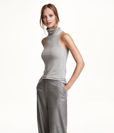 Sleeveless turtleneck top in thick, soft jersey made from modal.