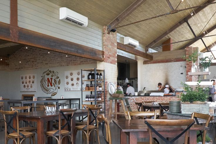 A major work in the form of brick feature within the domain of Meleto's in the Yarra Valley. WE loved this project as it truly provides a solid, rustic and inviting space.