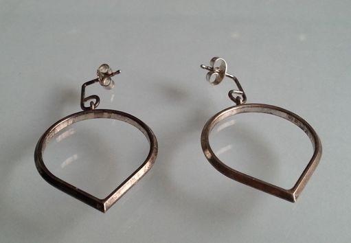 Compro earrings by Karl Laine (Kultakeskus).