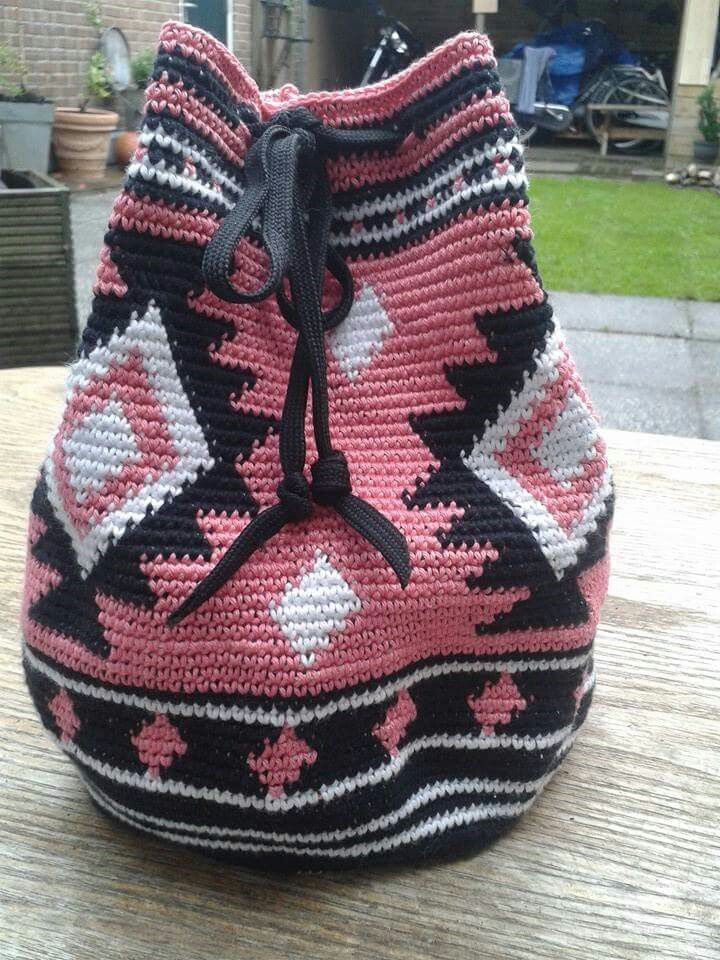 Pink tapestry crochet bag
