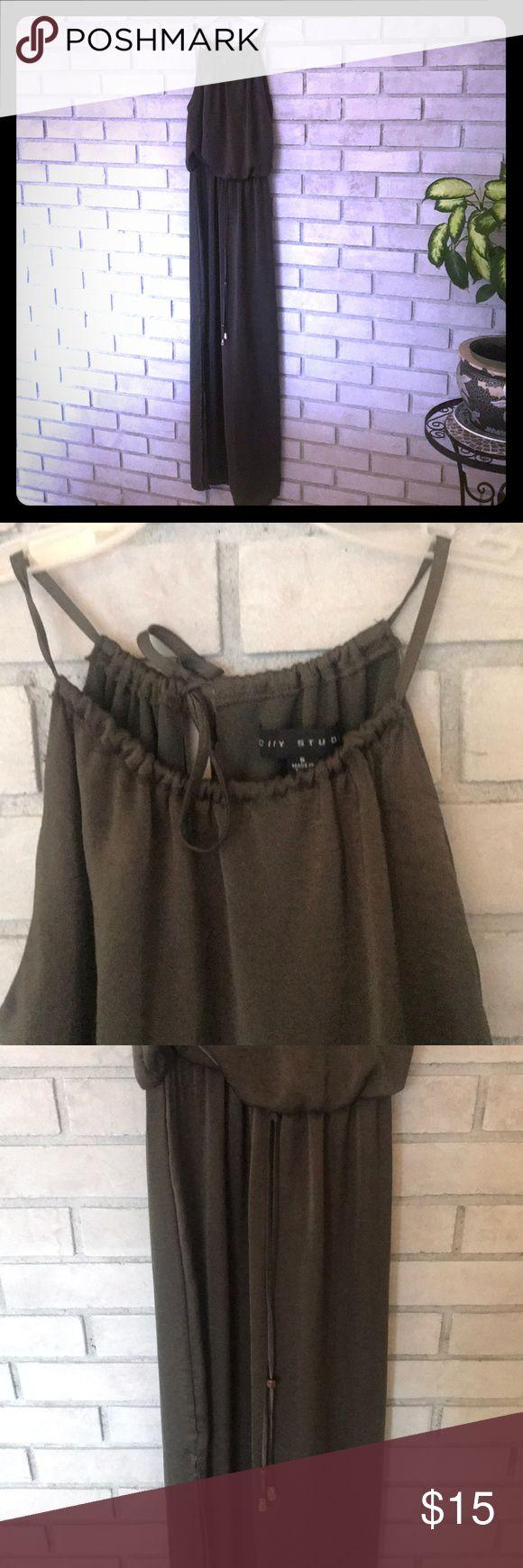 💥Grecian Maxi Dress💥 Wunderschöner Ausschnitt, elastische Taille, Seitenschlitze. Perfekt…   – My Posh Picks