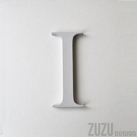 Monogram I pierwsza litera imienia