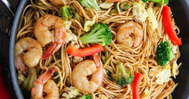 Lo Mein...Crevettes et brocoli en seulement 20 minutes - Recettes - Recettes simples et géniales! - Ma Fourchette - Délicieuses recettes de cuisine, astuces culinaires et plus encore!