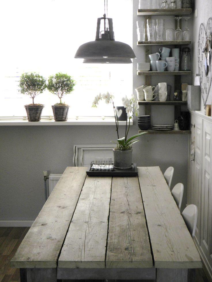 keukentafel van steigerhout...