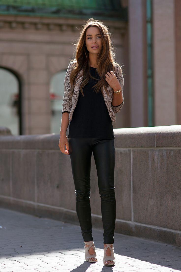 Pin By Azita Abedian On My Style Fashion Style Fashion