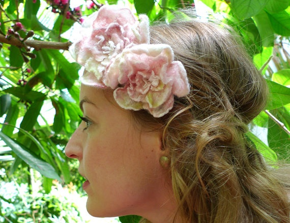 Flower Crown with Felt Roses by AVAoriginal on Etsy, €59.00