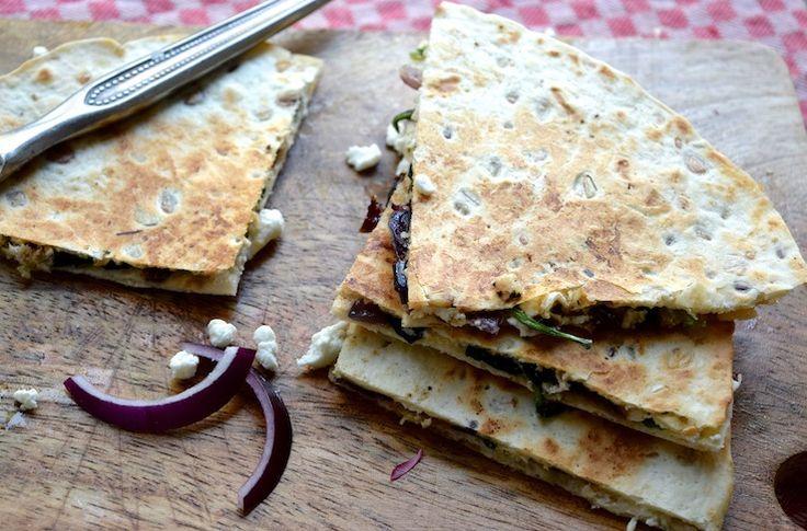 Quesadilla's met rode ui en spinazie (via Bloglovin.com )