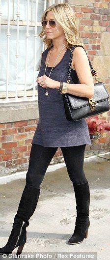 Jennifer Aniston - loose vest over leggings