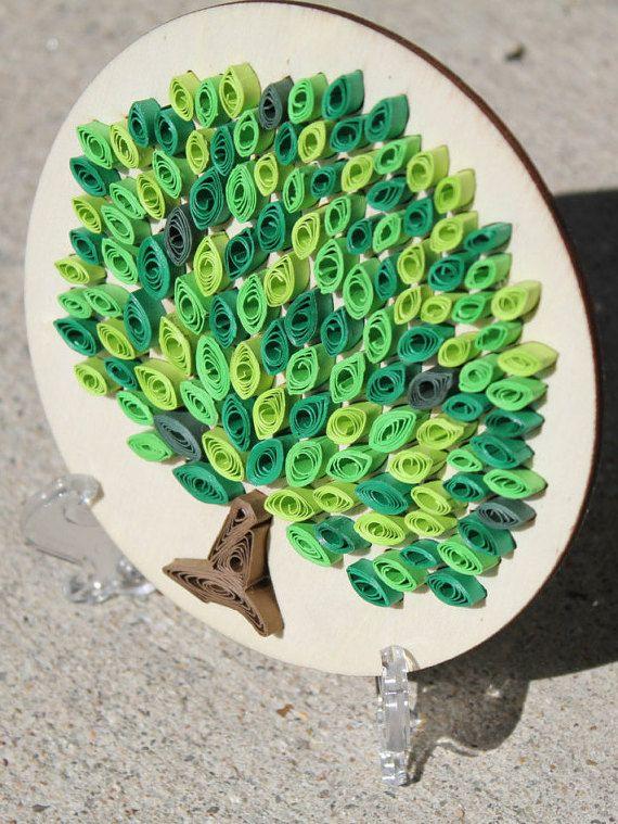 Arte de papel tubulares únicas: Árbol / papel sobre madera /