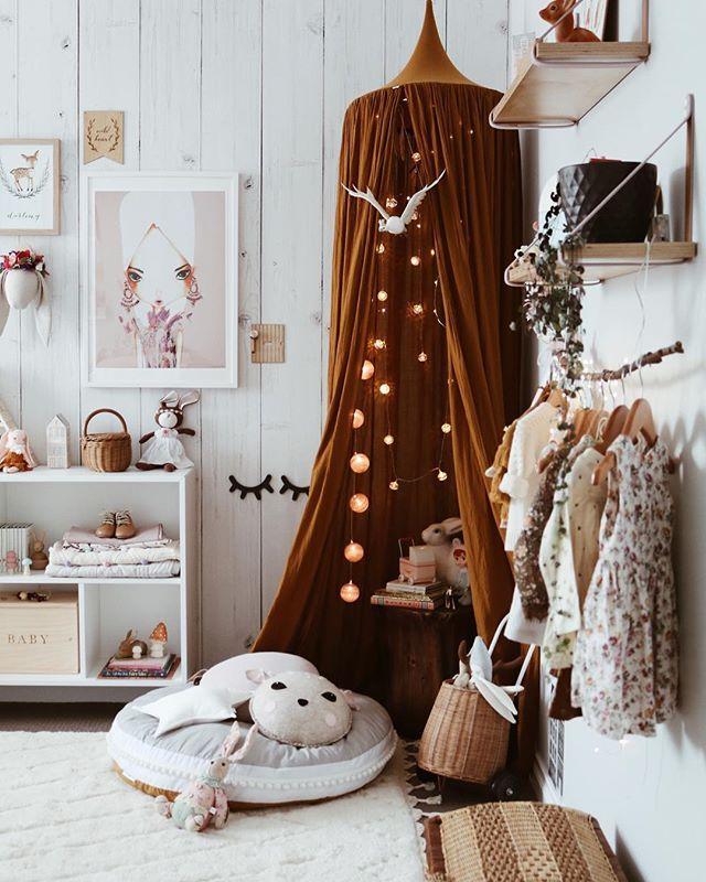 Sublime Chambre De Petite Fille Avec Ciel De Lit Terracotta Et